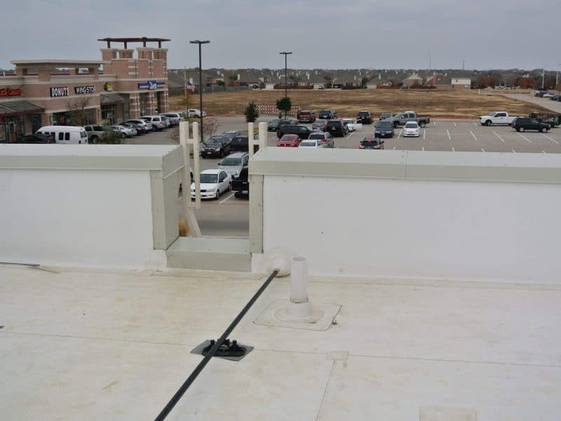 How long do commercial roofs last in Frisco, Texas?