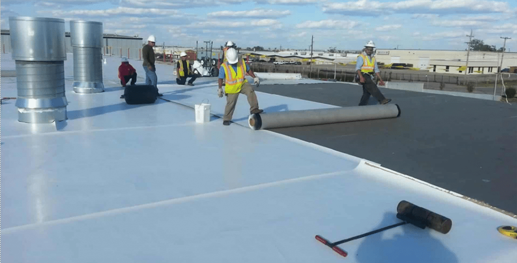 EPDM Roofs last long, roof installation in Texas building